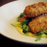 Warm manchego & sweetcorn croquettes w vanilla and sweetcorn purée.
